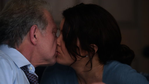 S6E10 Cyrus and Mellie Kiss