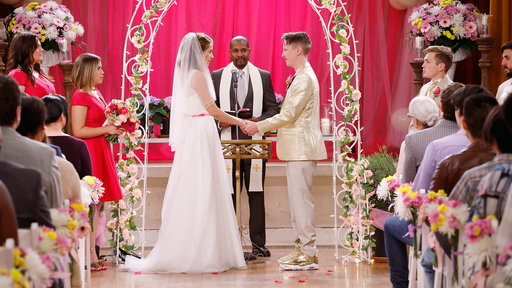Superstore S02E21 Cheyenne's Wedding