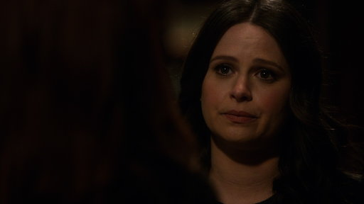 S06E15 Quinn Reveals to Abby That She's Pregnant