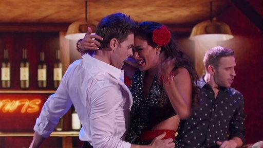 S24E11 'Dirty Dancing's' Nicole Scherzinger, Colt Prattes Perform 'Do You Love Me'