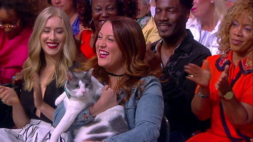 S20E197 Charlie the Cat on the View