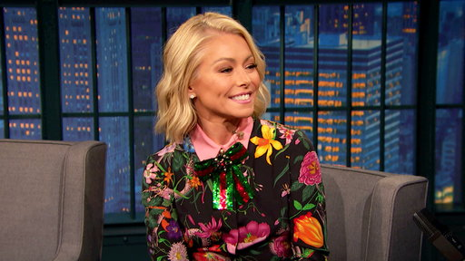 Late Night with Seth Meyers S04E137 Kelly Ripa, Fred Savage, Ahamed Weinberg