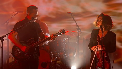 """S15E117 Jason Isbell and the 400 Unit Perform """"If We Were Vampires"""""""