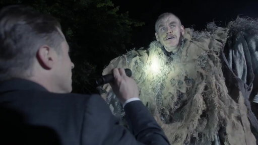 S04E02 Harvey & Gordon Receive A Frightening Message From The Scarecrow