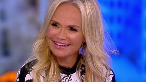 "S21E19 Kristin Chenoweth on ""The View"": Talks Singing with Andrea Bocelli and Carol Burnett 50th Anniversary Special"