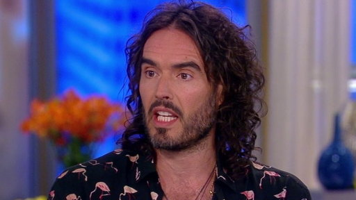 S21E20 Russell Brand Talks About Twitter Feud With Trump
