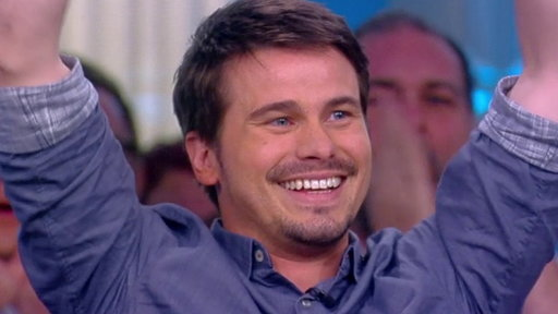 "S21E24 Actor Jason Ritter Tries to Set the Record for Most Hugs in 1 Minute on ""The View"""