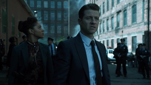 S4E7 The GOTHAM Police Department Raids The Narrows
