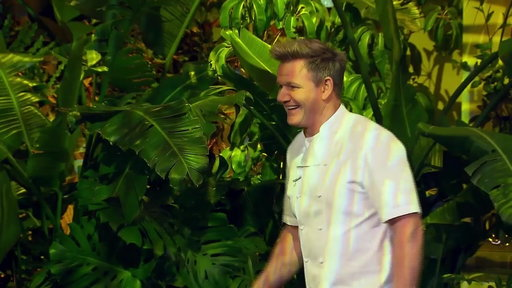 S17E08 Gordon Ramsay Puts The Competitors Through A Spear Competition