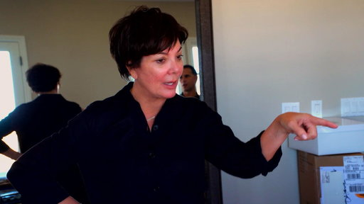 S14E9 Kris Jenner Puts Finishing Touches to Her Mother's Condo