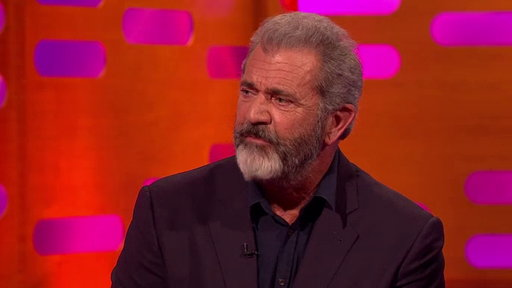 S22E8 Mel Gibson Took Accent Lessons from Sean Connery