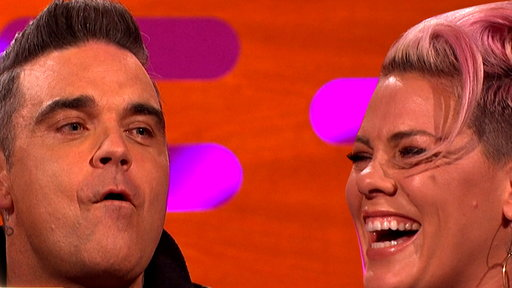 S22E09 Pink Confused Robbie Williams With a Chef