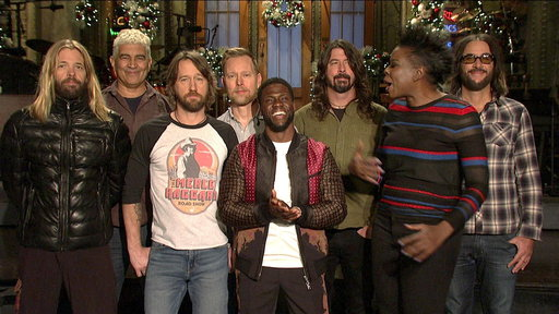 S43E11 Kevin Hart Gets Caught in a Group Hug with Leslie Jones and Foo Fighters
