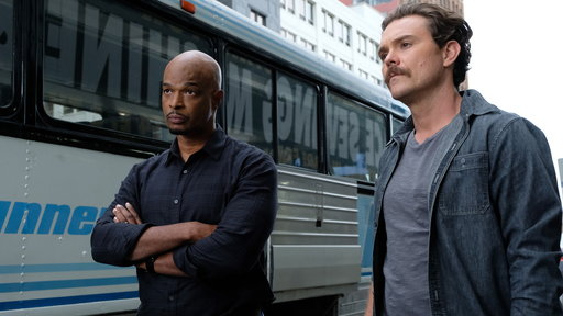 Lethal Weapon S02E11 Funny Money