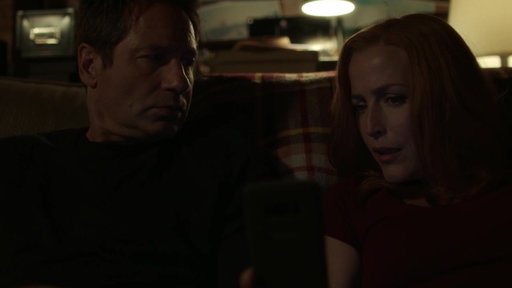 S11E02 Scully & Mulder Wake Up To A Shootout