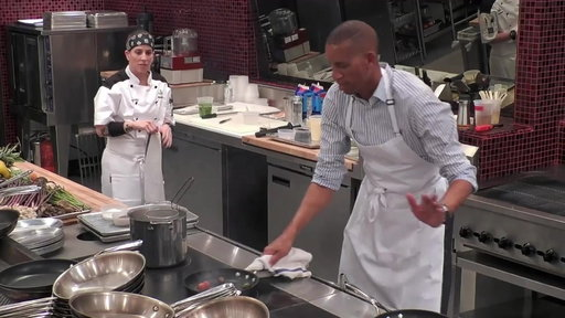 "Season 17, Episode #13 Robyn & Reggie Miller Have Fun In The Kitchen from ""Stars Heating Up Hell"" Screenshot"