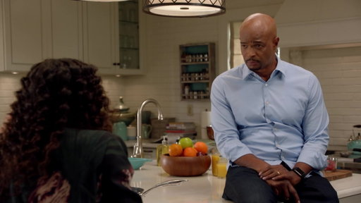 S2E14 Roger Offers to Help Riana With Her Emergency