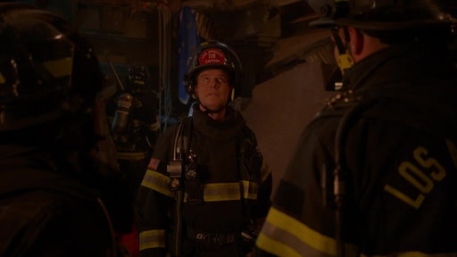 S01E05 First Responders Arrive to the Collapsed Floor