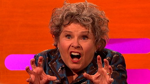 S22E16 Imelda Staunton Had a Live Duet With a Mouse