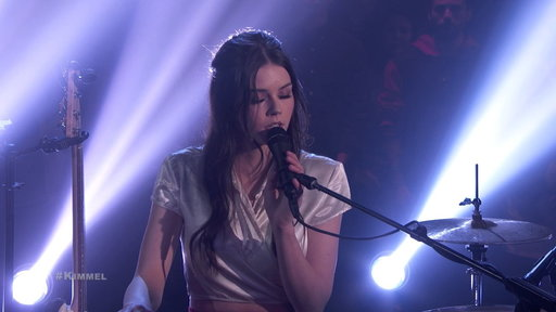 S16E20 Elise Trouw – Foo Fighters/Bobby Caldwell Mash Up