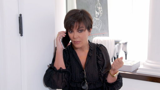 S14E0 Kris Jenner Receives Emergency Call from Kendall