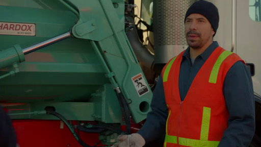 S01E09 First Responders Search For Someone In A Dumpster