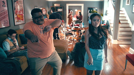 S01E08 Teen Party vs Adult Party