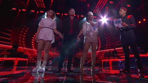 S1E19 The American Idol Top 2 Are Revealed