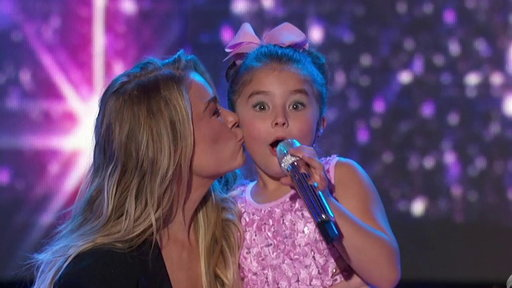 """S1E19 LeAnn Rimes, Layla Spring and Dyxie Perform """"Blue"""""""
