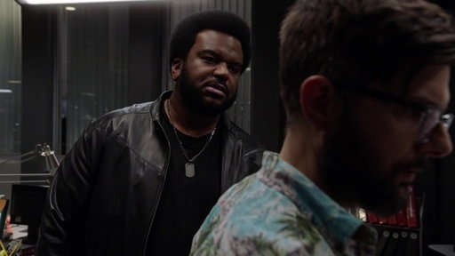 S01E10 Leroy Thinks Max Is Too Close