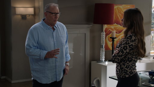 S10E6 Jay Tries to Convince Gloria He Might Be Having an Affair