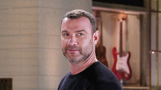 S44E5 There's Something Wrong with Liev Schreiber