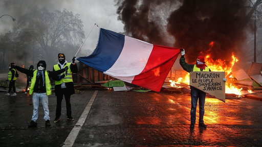 S0E0 Paris riots could spur state of emergency