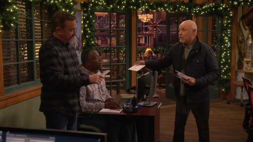 Season 7, Episode #8 Ed Hands Out Christmas Cards Screenshot