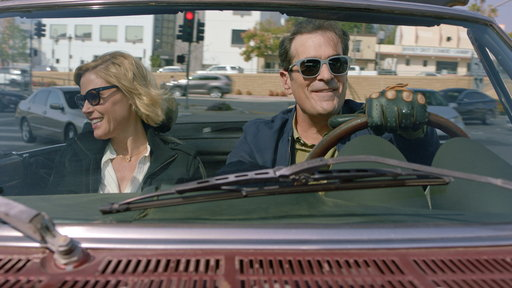 Modern Family S10E09 Putting Down Roots