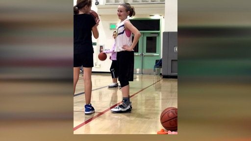 S0E0 Steph Curry sends sneakers to girl who wanted Curry 5s in girls' sizes
