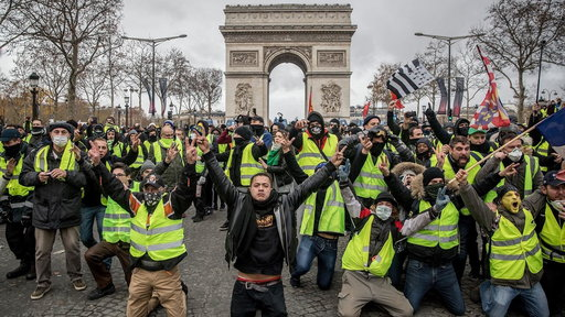 S0E0 Paris protests: More than 1,700 arrested during weekend riots