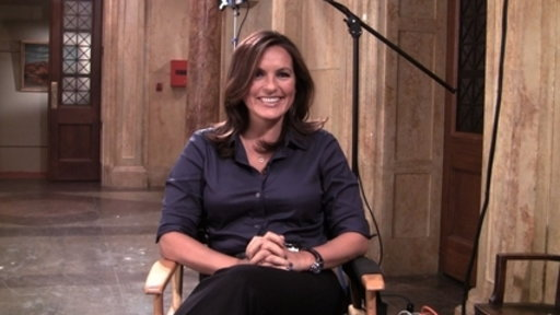 S14E0 What Mariska Likes About Benson