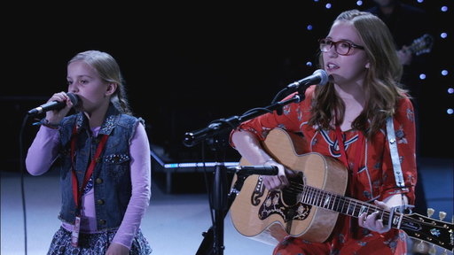 S01E16 Rayna's Daughters Perform Sound Check