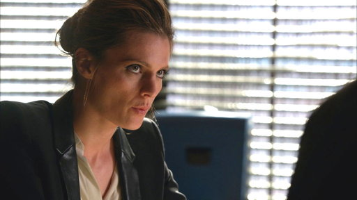Castle and Beckett Discuss Alexis