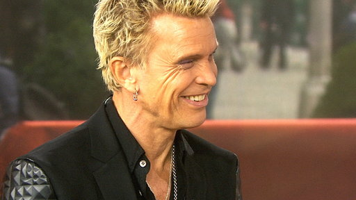 S0E0 Billy Idol Shows Tamron How to Do His Famous Lip Curl
