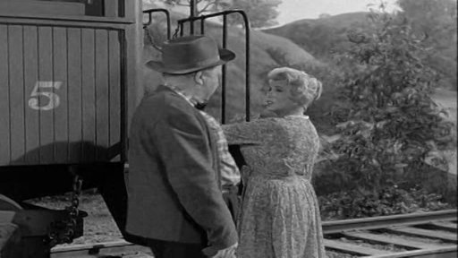 S1E9 The Little Train Robbery