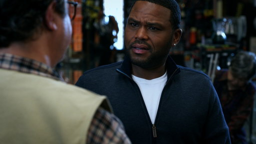S02E02 Dre at the Gun Shop